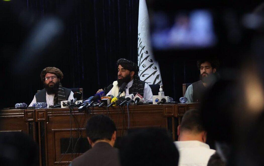 """Los talibanes advierten de las """"consecuencias"""" si EEUU no abandona Afganistán para el 31 de agosto"""
