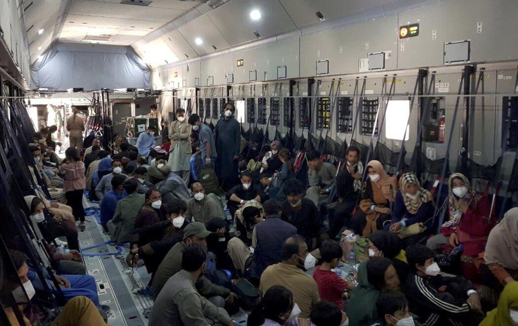 España llena al máximo los aviones para agilizar las evacuaciones de Afganistán