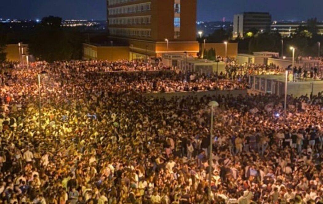 Macrobotellón en Ciudad Universitaria: 25.000 jóvenes se concentran en Madrid obviando las medidas sanitarias