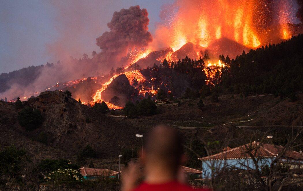Erupción en La Palma: la lava sigue avanzando y deja, por el momento, 5.000 evacuados