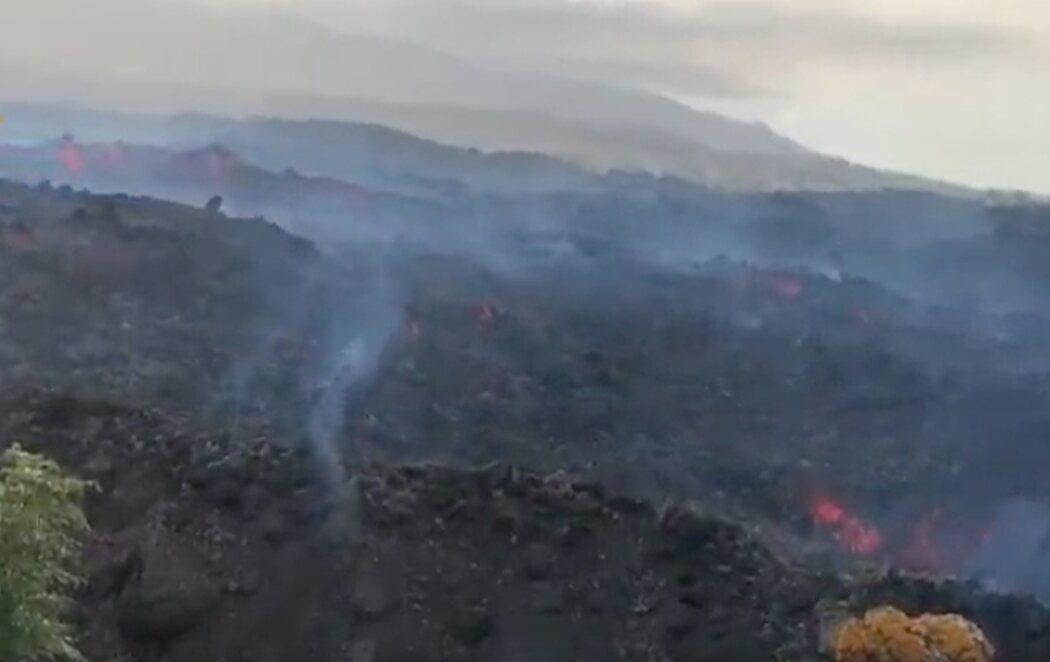 La nueva colada, de hasta 1.240 grados, destruye lo que quedaba en Todoque (La Palma)