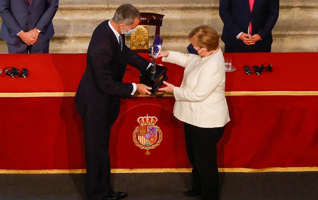 """Angela Merkel recibe el Premio Carlos V en Yuste apostando por """"más soberanía europea"""""""