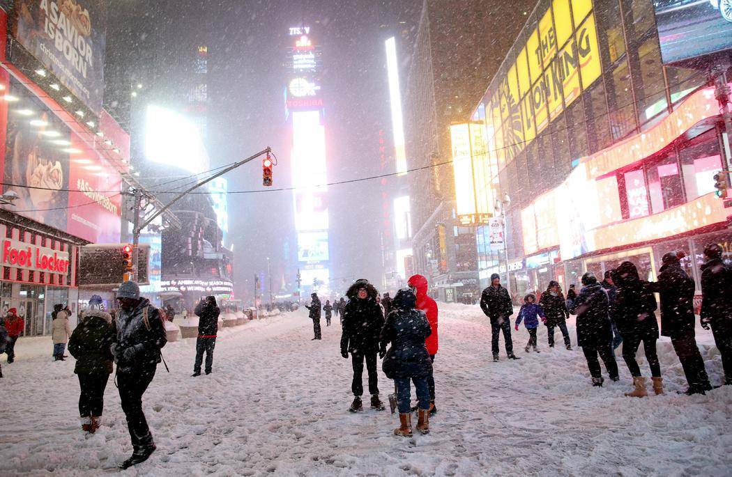 Times Square cubierto de nieve