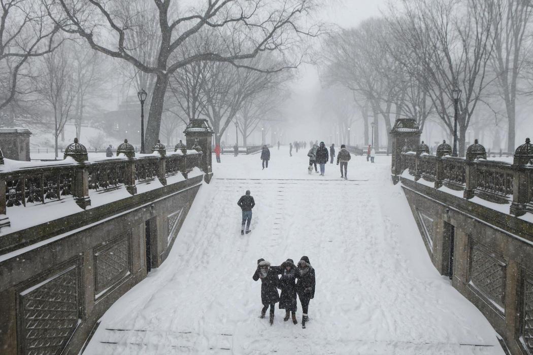The Mall de Central Park cubierto de nieve