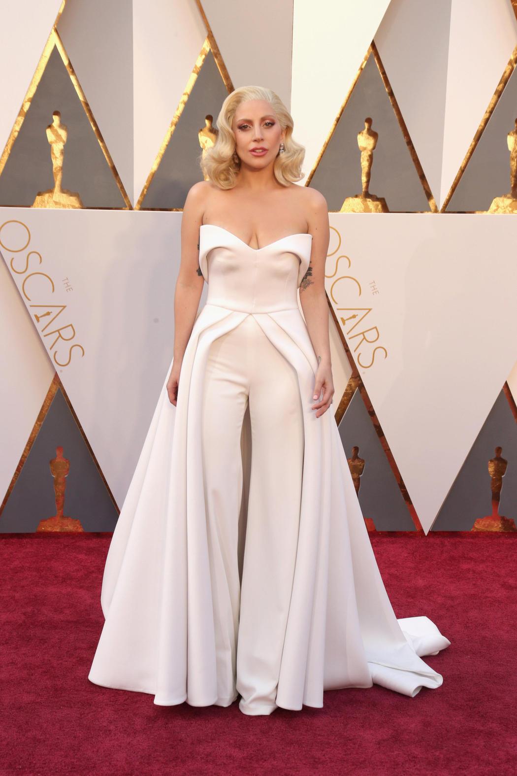 Lady Gaga en los Oscar 2016
