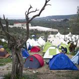 En estas tiendas de campaña resisten los refugiados