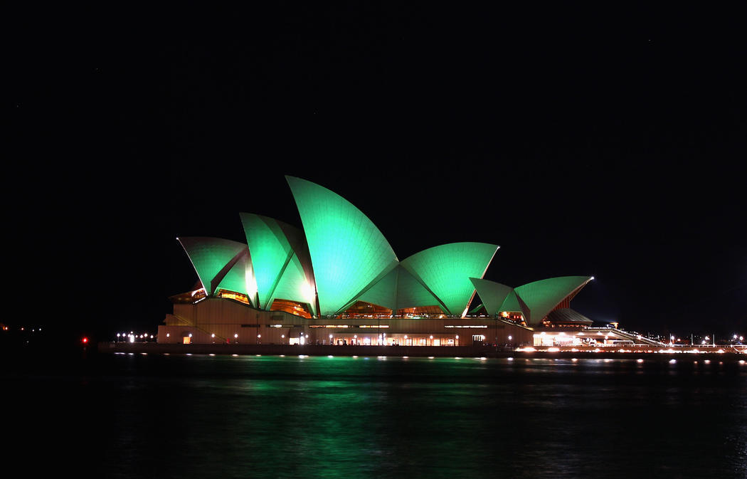 La Opera House de Sidney se ilumina de verde