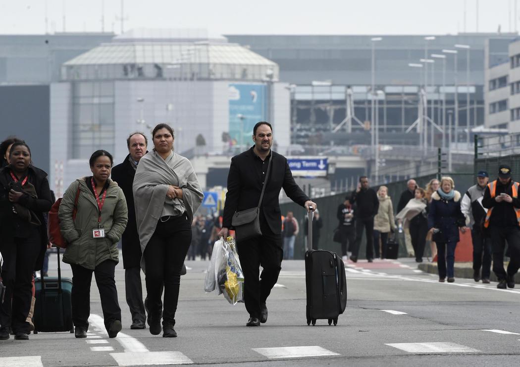 Pasajeros evacuados en el Aeropuerto de Bruselas