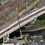 Un Shinkansen descarrila