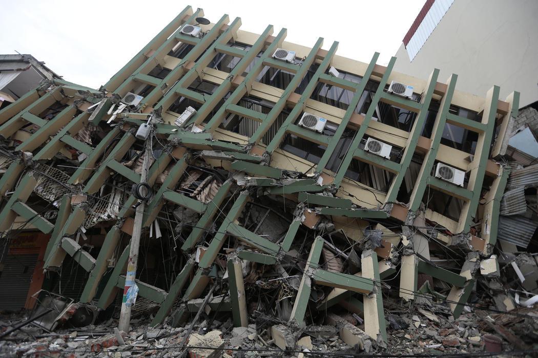 Edificio destruido en Portoviejo