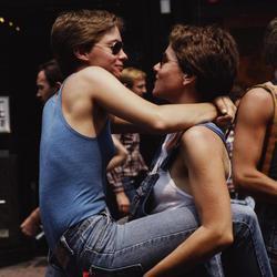 Dos mujeres celebran su amor en Nueva York