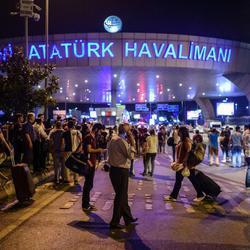Atentado contra el aeropuerto turco de Atatürk