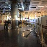 Destrozos en el interior de Atatürk por las explosiones