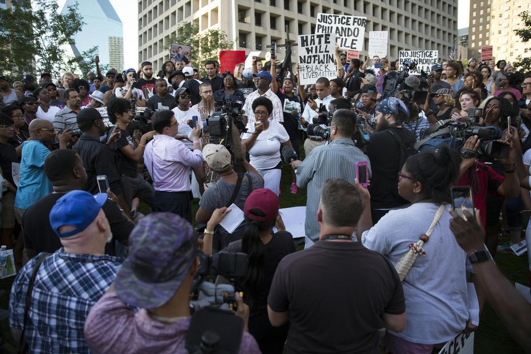 Protestas en Dallas contra los abusos policiales