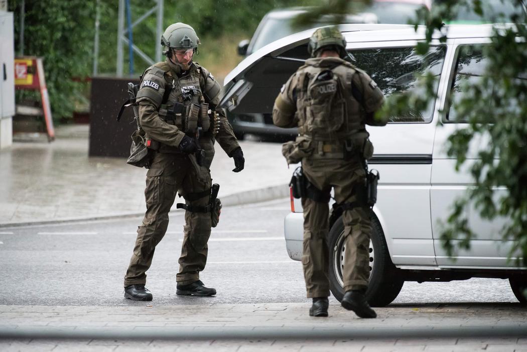 Miembros especiales de la Policía acuden al tiroteo de Múnich