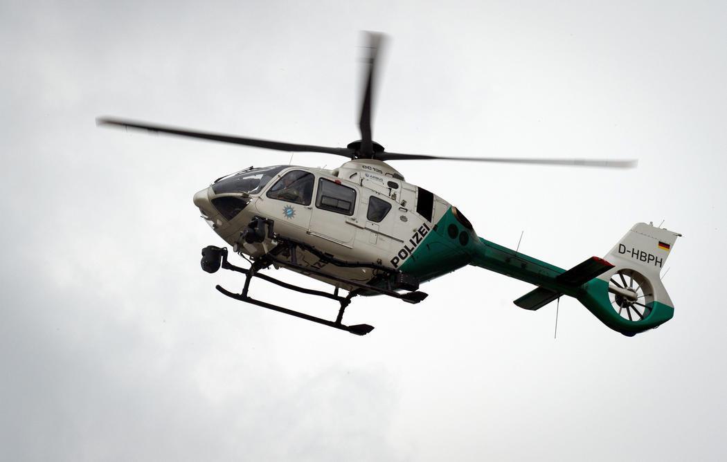 Un helicóptero sobrevuela el centro comercial del tiroteo de Múnich