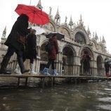 La Basílica de San Marcos resiste a las inundaciones de Venecia