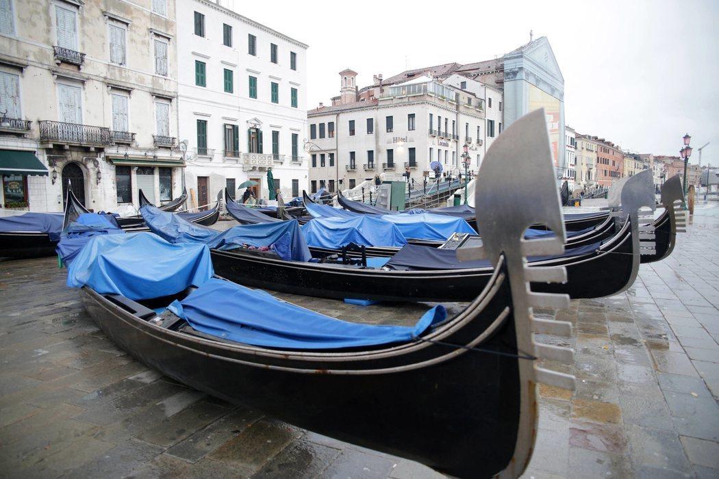 Algunas góndolas de Venecia todavía no han vuelto a la actividad