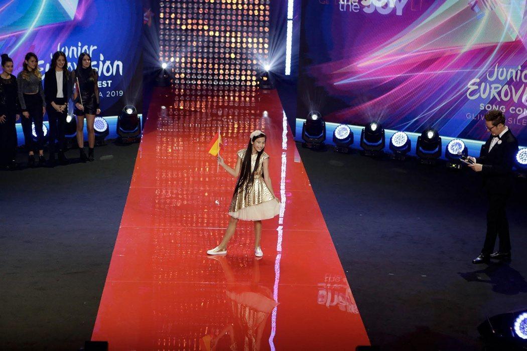Melani en la Ceremonia de Inauguración de Eurovisión Junior 2019