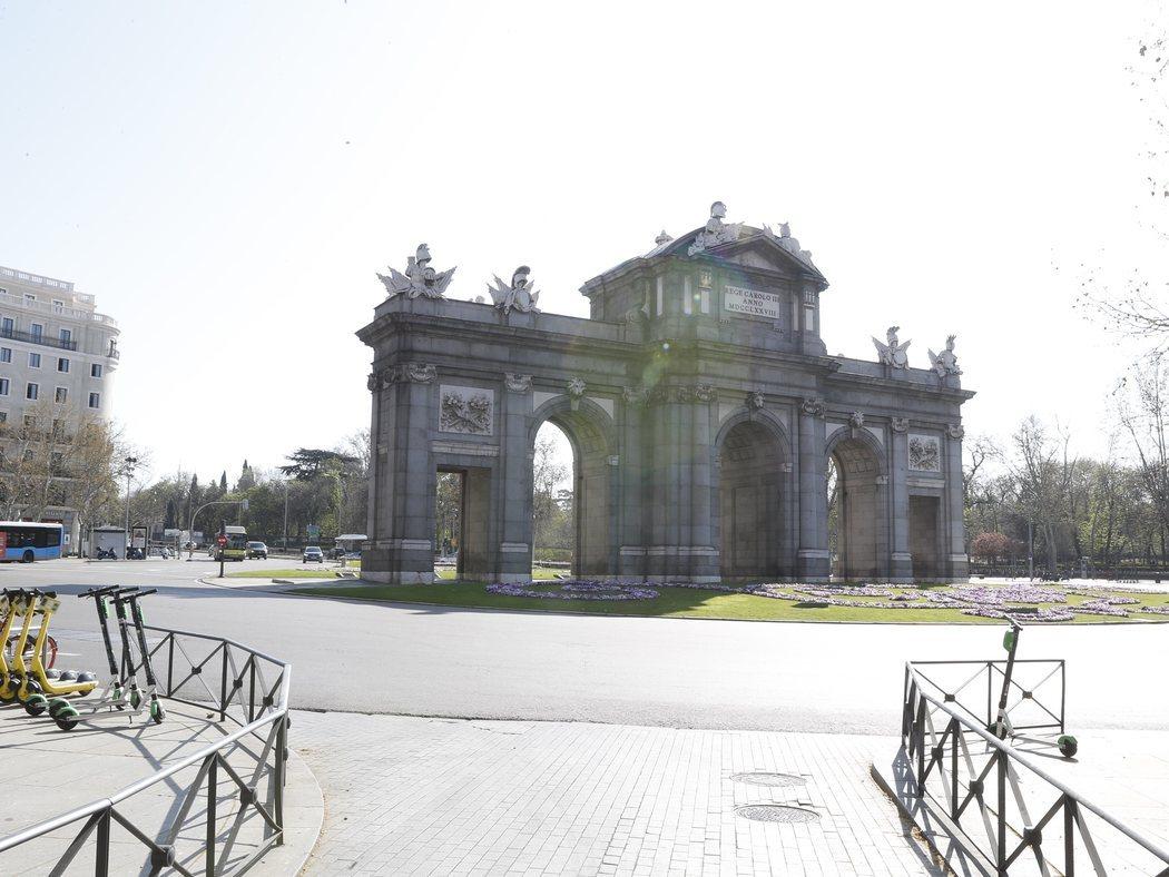 Madrid, desierta ante el brote de coronavirus