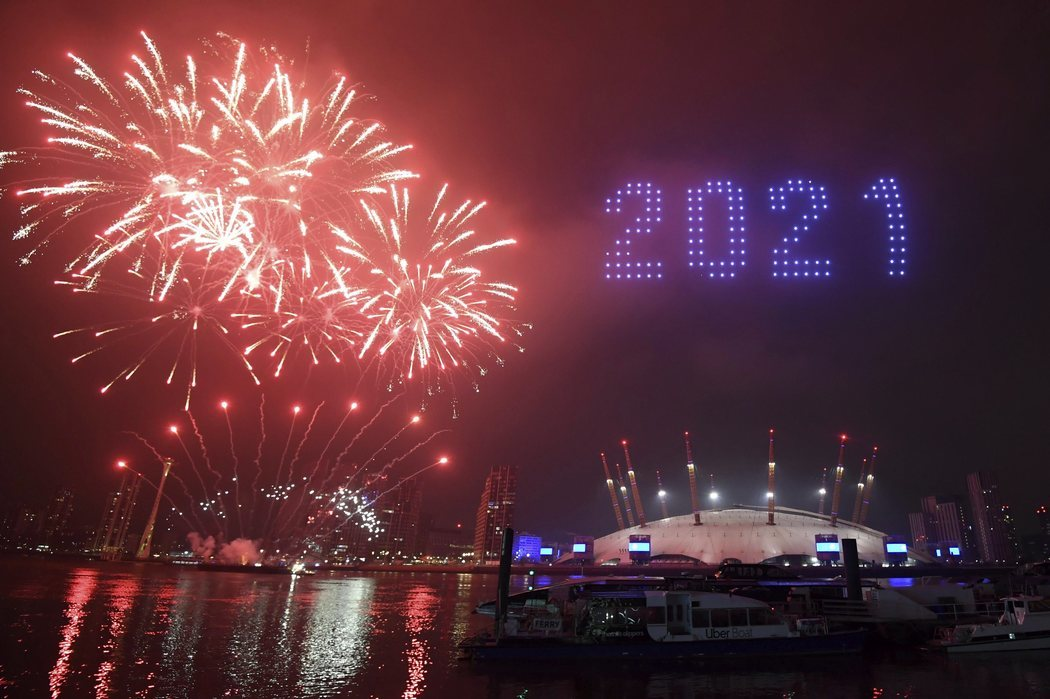 Londres se lleva los fuegos artificiales a las afueras