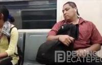 Se masturba en el metro ante la mirada de los viajeros
