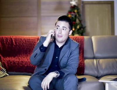 El protagonista del anuncio de 'Hola, soy Edu, Feliz Navidad', lo recrea dos décadas después