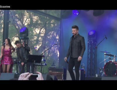 Sergey Lazarev (Rusia) interpreta su tema en el Eurovision Village