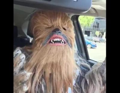 Chewbacca es ahora quien se ríe de Candace Payne