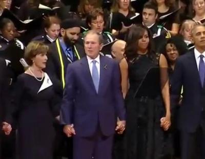 George Bush se pone a bailar en el funeral de los policías de Dallas