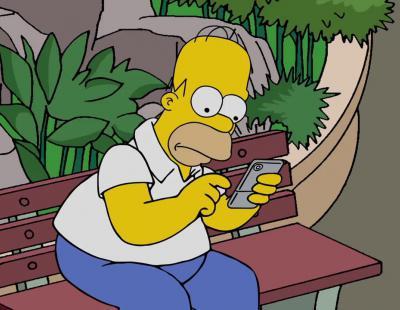 Homer Simpson también está enganchado a 'Pokémon Go'