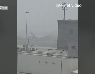 Uno de los motores del avión de Emirates explota en Dubai